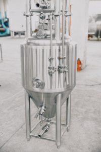 Small fermenter for pilot batch brewing